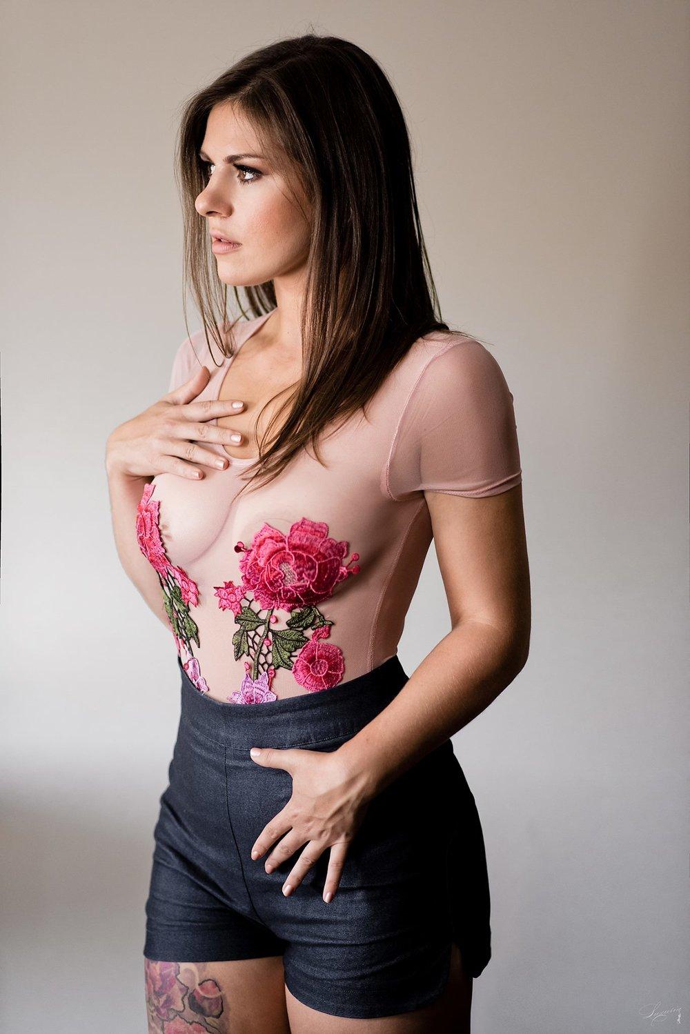 La femme aux fleurs 3
