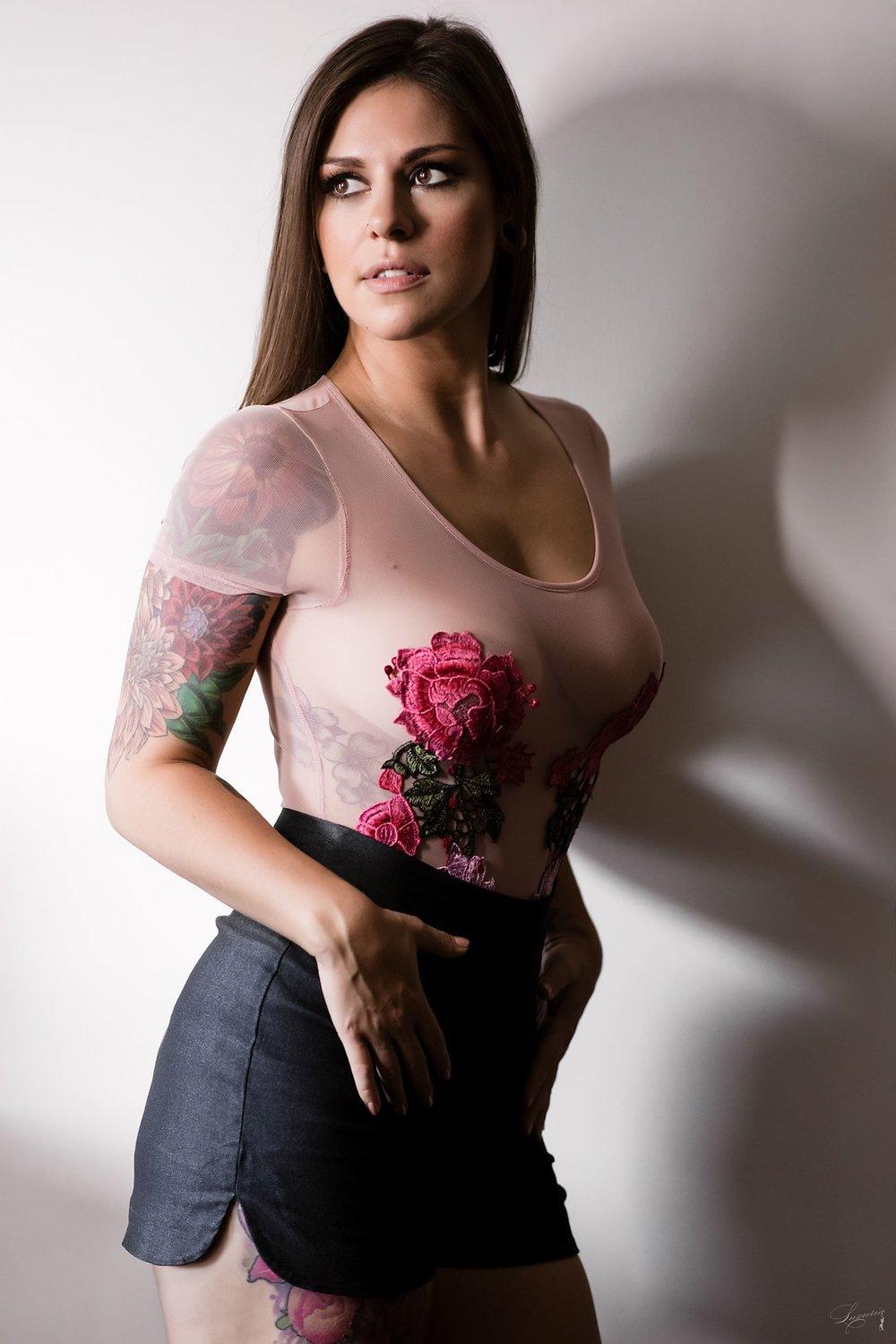 La femme aux fleurs 1