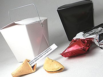 Takeaway boxes to hold 4 fortune cookies