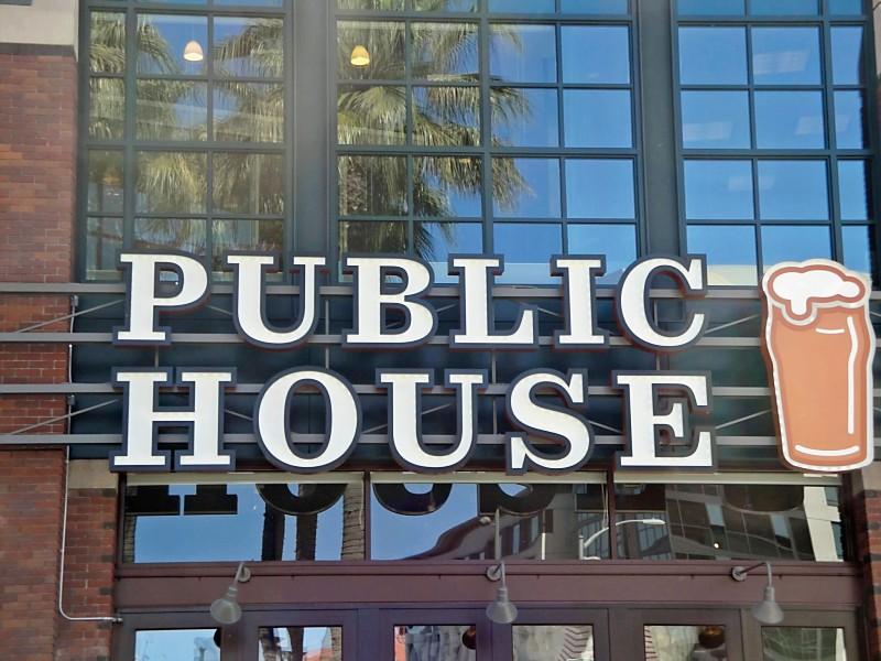 3-PublicHouse