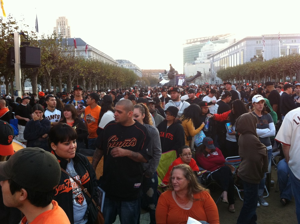 Parade_Crowd