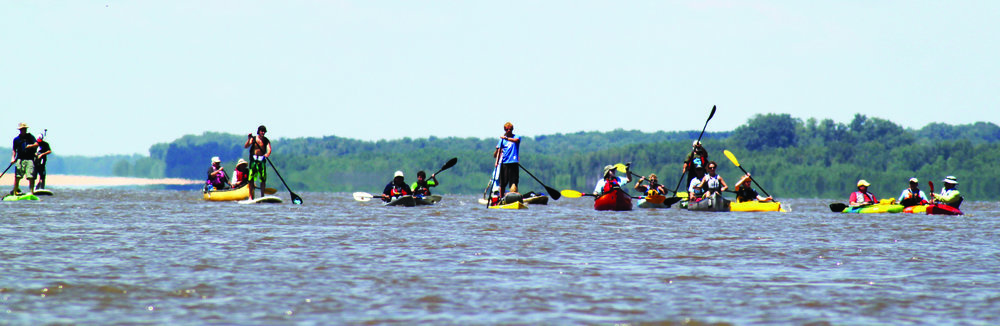 On approach to Memphis with a crowd from the Wolf River Conservancy and Bluff City Canoe Club