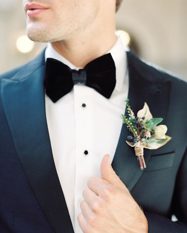 Love a classic black tux, this one is by @theblacktux