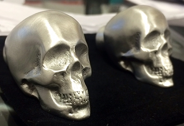 Incroyable Skull Von Pewter Cabinet Knob/PEWTER