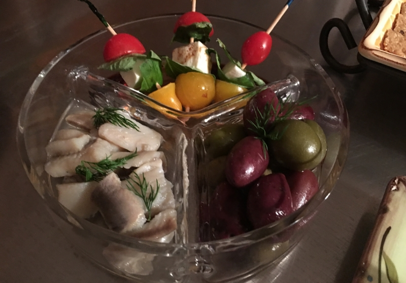 "We posted the recipe for our  Caprese skewers  (in picture above) last week under "" appetizers "" (recipe  here ) But we also served a few 'ready to go' items like herring in white wine sauce and a medley of Greek olives."
