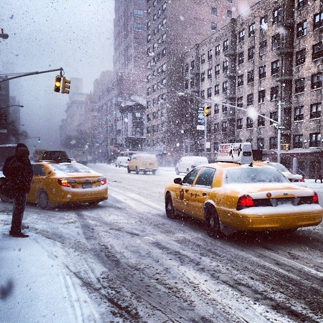 crazy snowstorm in NYC