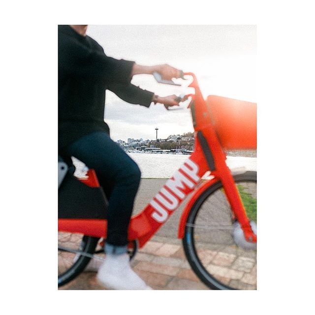 Jump the traffic & see more of your city with the Uber's flexibility. Photo for @uber @jump_rides #JUMPBikes #DoorsAreAlwaysOpening #ad
