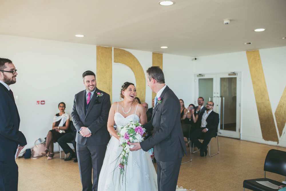 bexhill-on-sea-de-la-warr-pavillion-wedding-photos-photography-by-lindsley-weddings_0022.jpg