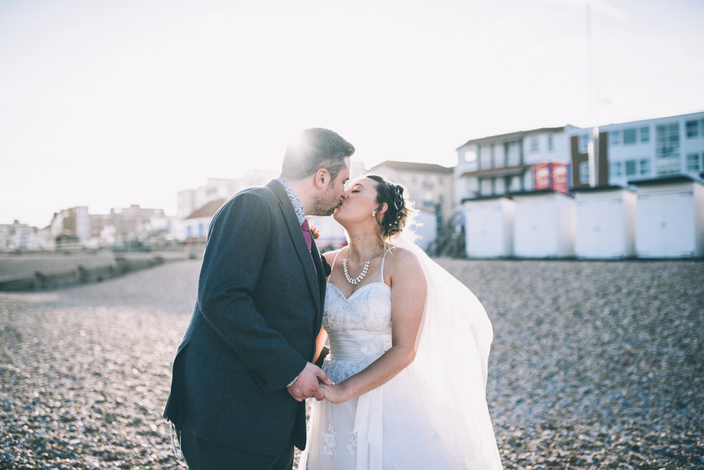 bexhill-on-sea-de-la-warr-pavillion-wedding-photos-photography-by-lindsley-weddings_0038.jpg