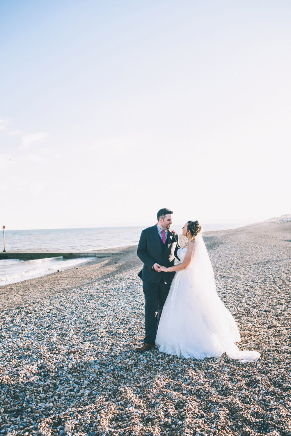 bexhill-on-sea-de-la-warr-pavillion-wedding-photos-photography-by-lindsley-weddings_0037.jpg