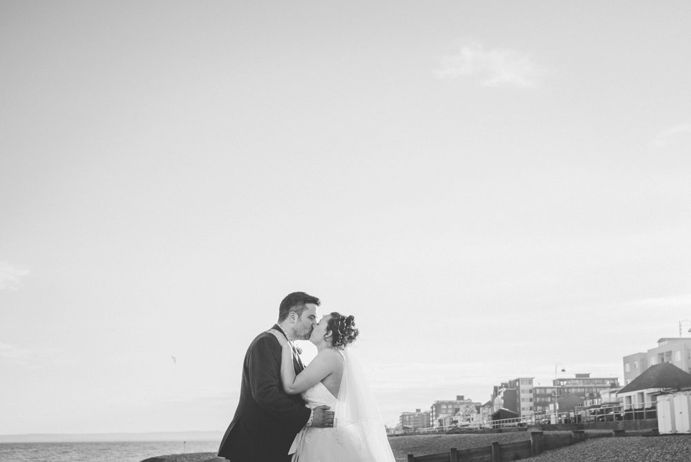 bexhill-on-sea-de-la-warr-pavillion-wedding-photos-photography-by-lindsley-weddings_0067.jpg