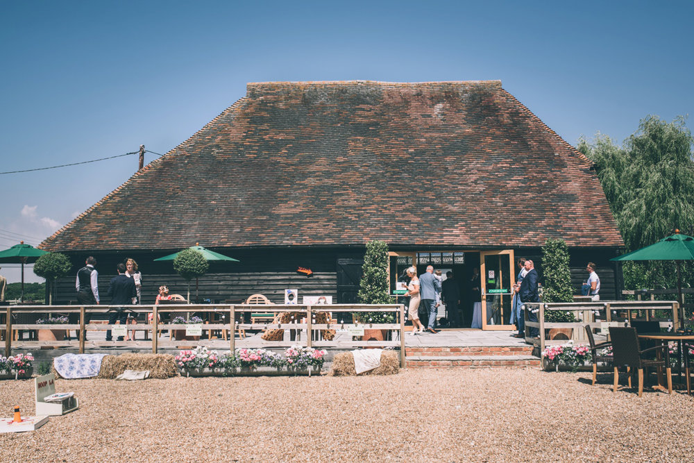 odos-barn-ashford-kent-wedding-photographer-odo's-barn-bilisington-by-lindsleyweddings_0075.jpg