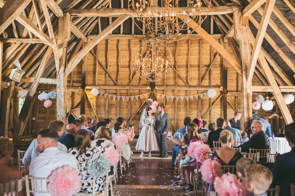 odos-barn-ashford-kent-wedding-photographer-odo's-barn-bilisington-by-lindsleyweddings_0094.jpg