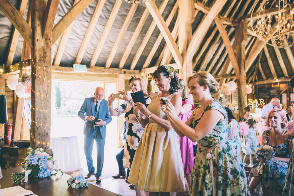 odos-barn-ashford-kent-wedding-photographer-odo's-barn-bilisington-by-lindsleyweddings_0093.jpg