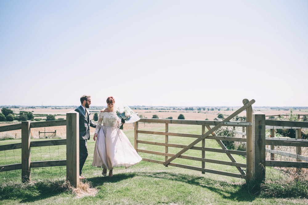 odos-barn-ashford-kent-wedding-photographer-odo's-barn-bilisington-by-lindsleyweddings_0102.jpg