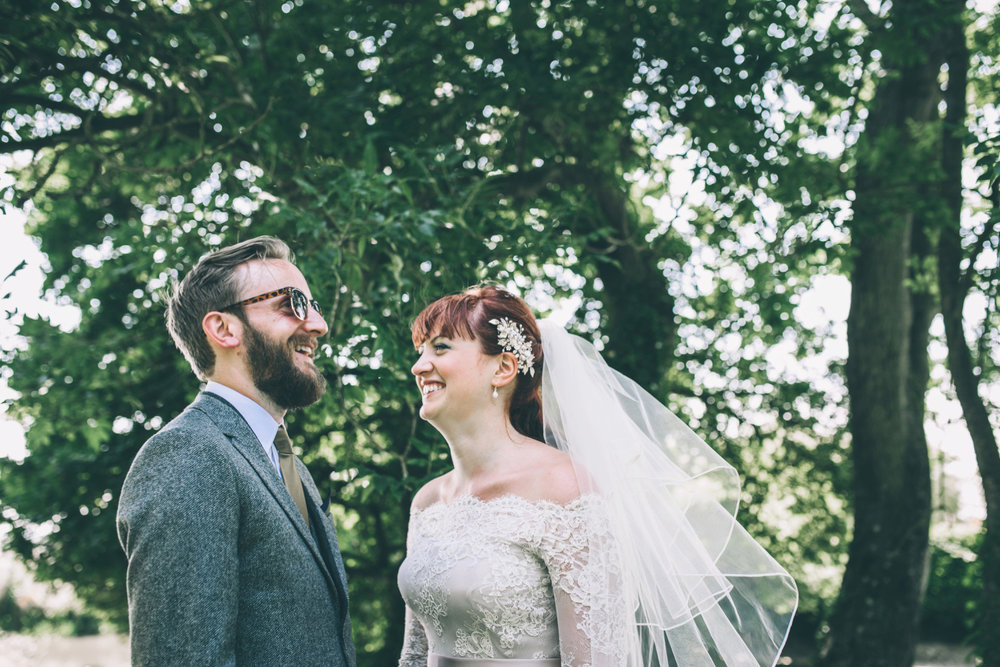 odos-barn-ashford-kent-wedding-photographer-odo's-barn-bilisington-by-lindsleyweddings_0106.jpg