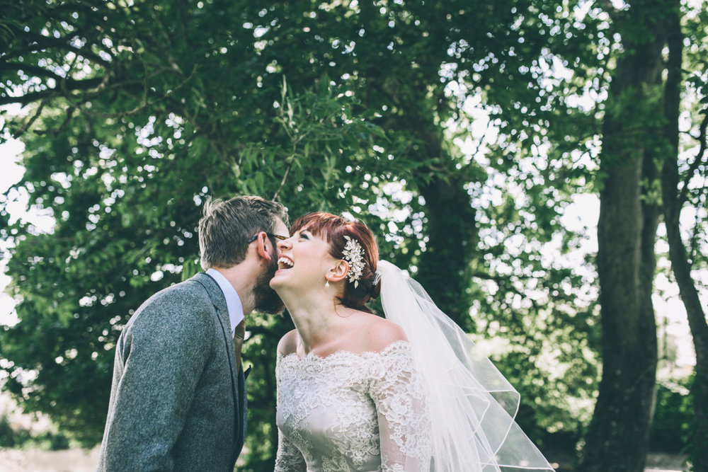odos-barn-ashford-kent-wedding-photographer-odo's-barn-bilisington-by-lindsleyweddings_0107.jpg