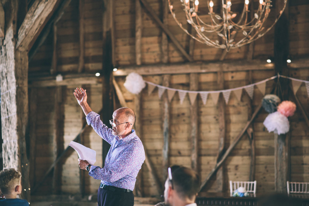 odos-barn-ashford-kent-wedding-photographer-odo's-barn-bilisington-by-lindsleyweddings_0114.jpg