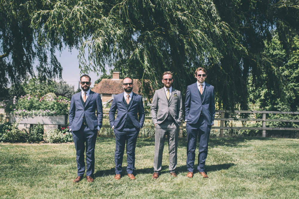 odos-barn-ashford-kent-wedding-photographer-odo's-barn-bilisington-by-lindsleyweddings_0112.jpg