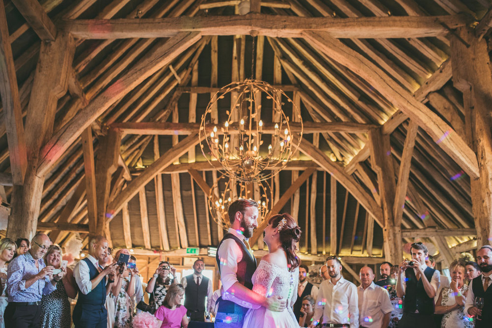odos-barn-ashford-kent-wedding-photographer-odo's-barn-bilisington-by-lindsleyweddings_0126.jpg