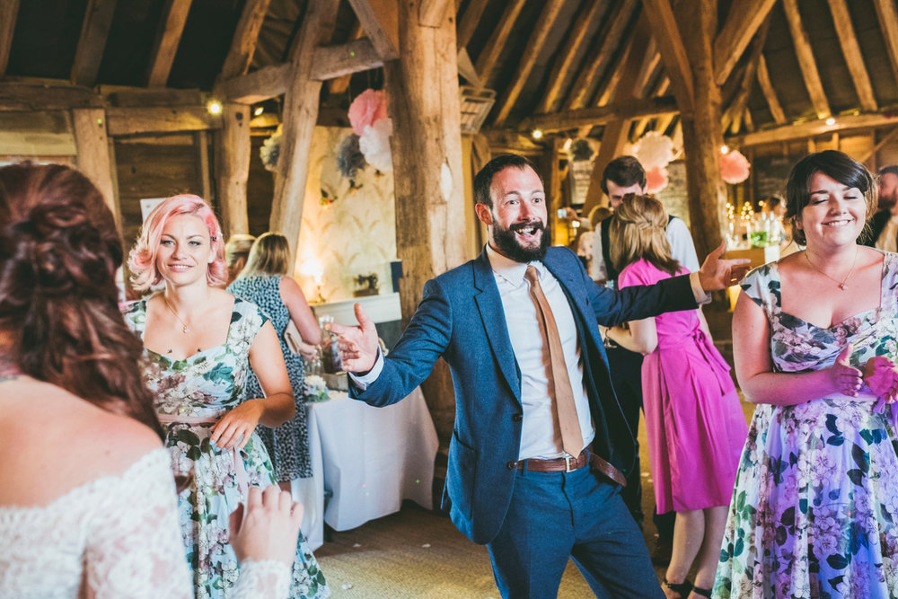 odos-barn-ashford-kent-wedding-photographer-odo's-barn-bilisington-by-lindsleyweddings_0131.jpg