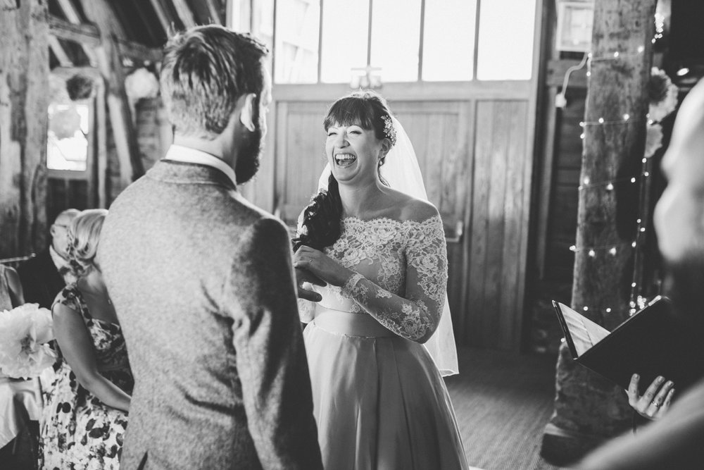odos-barn-ashford-kent-wedding-photographer-odo's-barn-bilisington-by-lindsleyweddings_0138.jpg