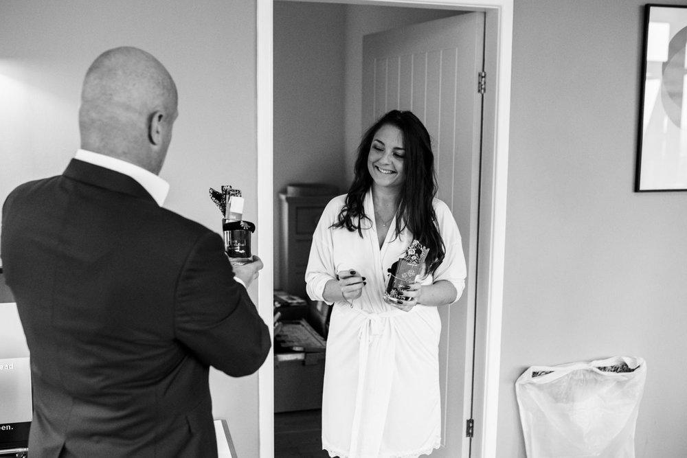 natural-retreats-yorkshire-dales-wedding-photography-8.jpg