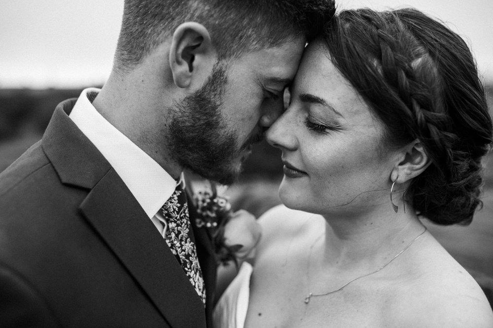 natural-retreats-yorkshire-dales-wedding-photography-69.jpg