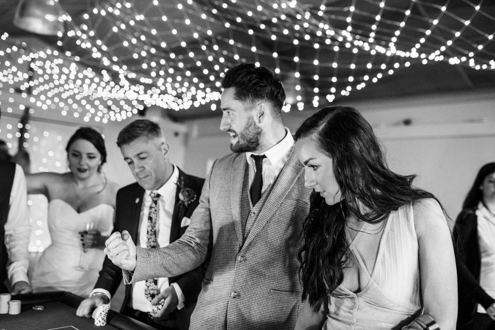 natural-retreats-yorkshire-dales-wedding-photography-95.jpg