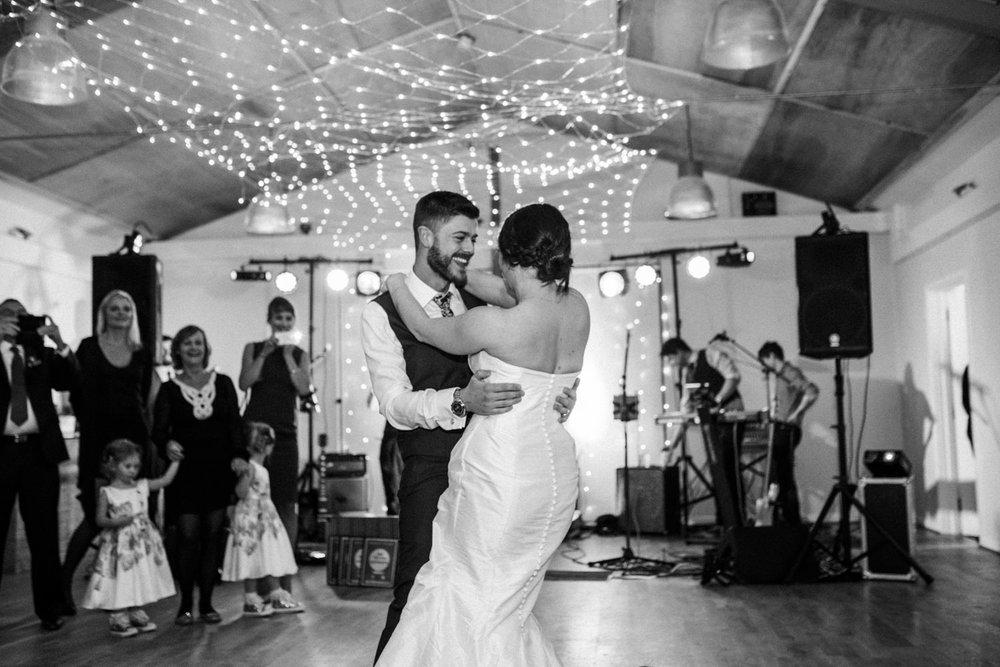 natural-retreats-yorkshire-dales-wedding-photography-102.jpg