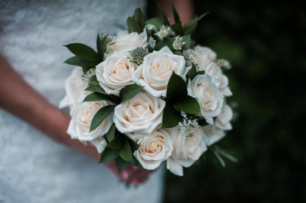 peak-district-wedding-photographer-Amanda-and-will-13.jpg