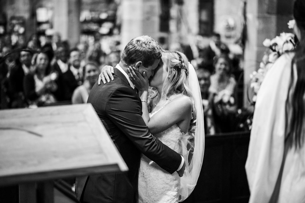 peak-district-wedding-photographer-Amanda-and-will-32.jpg