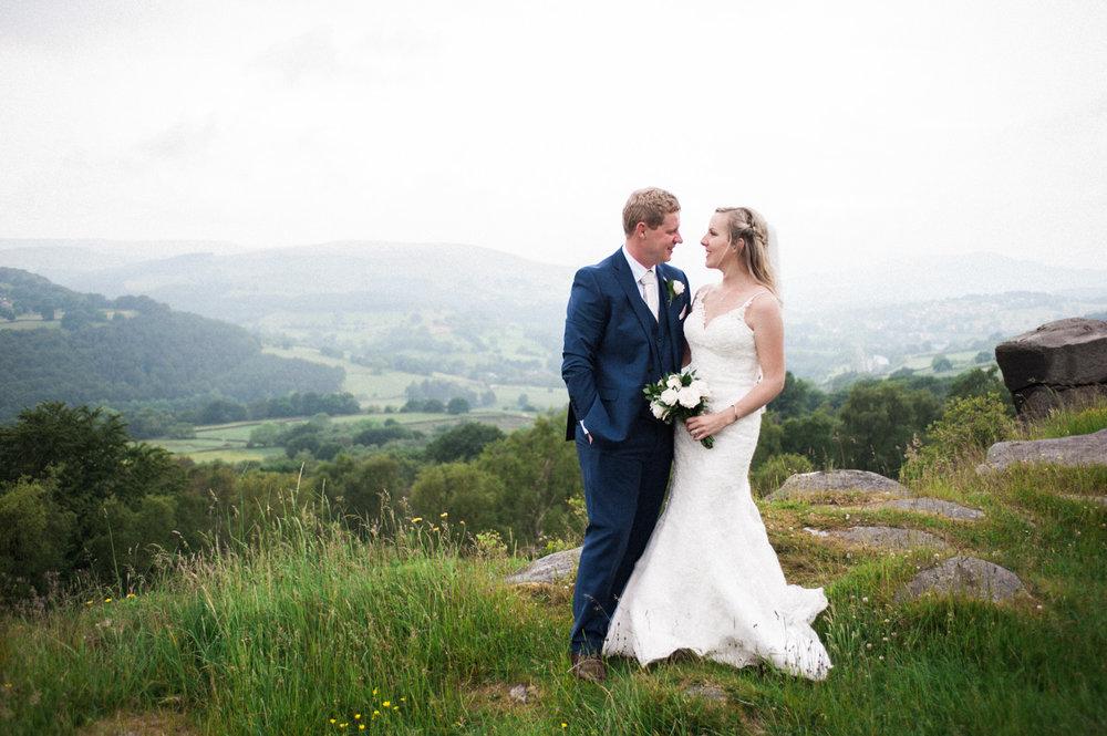 peak-district-wedding-photographer-Amanda-and-will-39.jpg