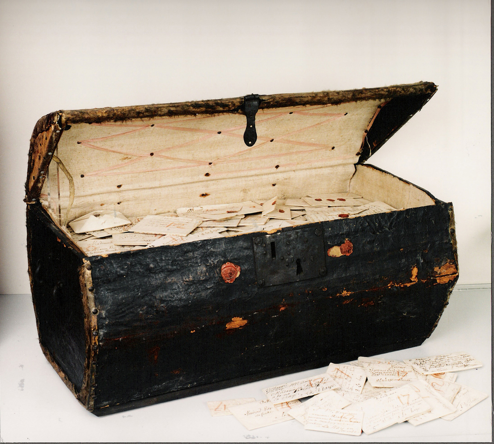 The postmaster's treasure chest. Courtesy of the Museum voor Communicatie, The Hague.