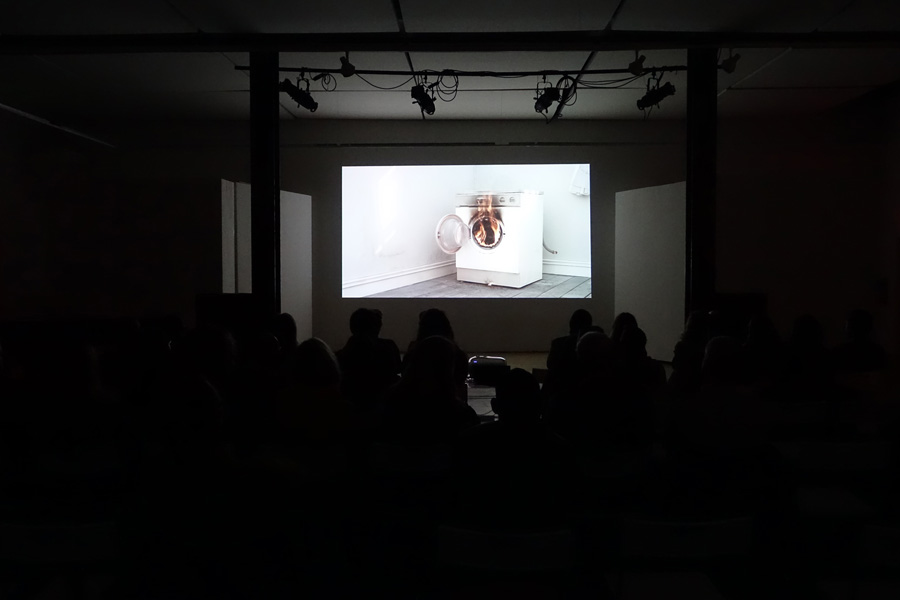 Emily Wardill:  No Trace of Accelerator , 2017; video still; courtesy the artist, Altman Siegel, STANDARD (OLSO) and Carlier Gebauer.