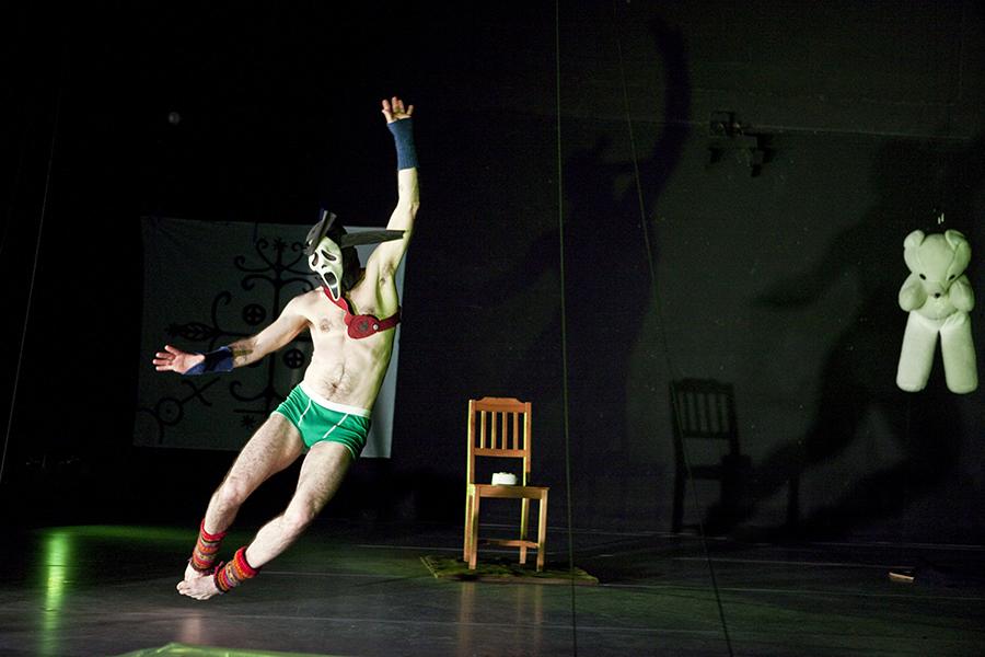 Keith Hennessy.Crotch1.by Yi-Chun Wusmall.jpg