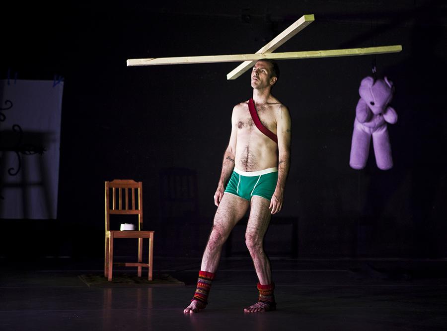 Keith Hennessy.Crotch4.by Yi-Chun Wusmall.jpg