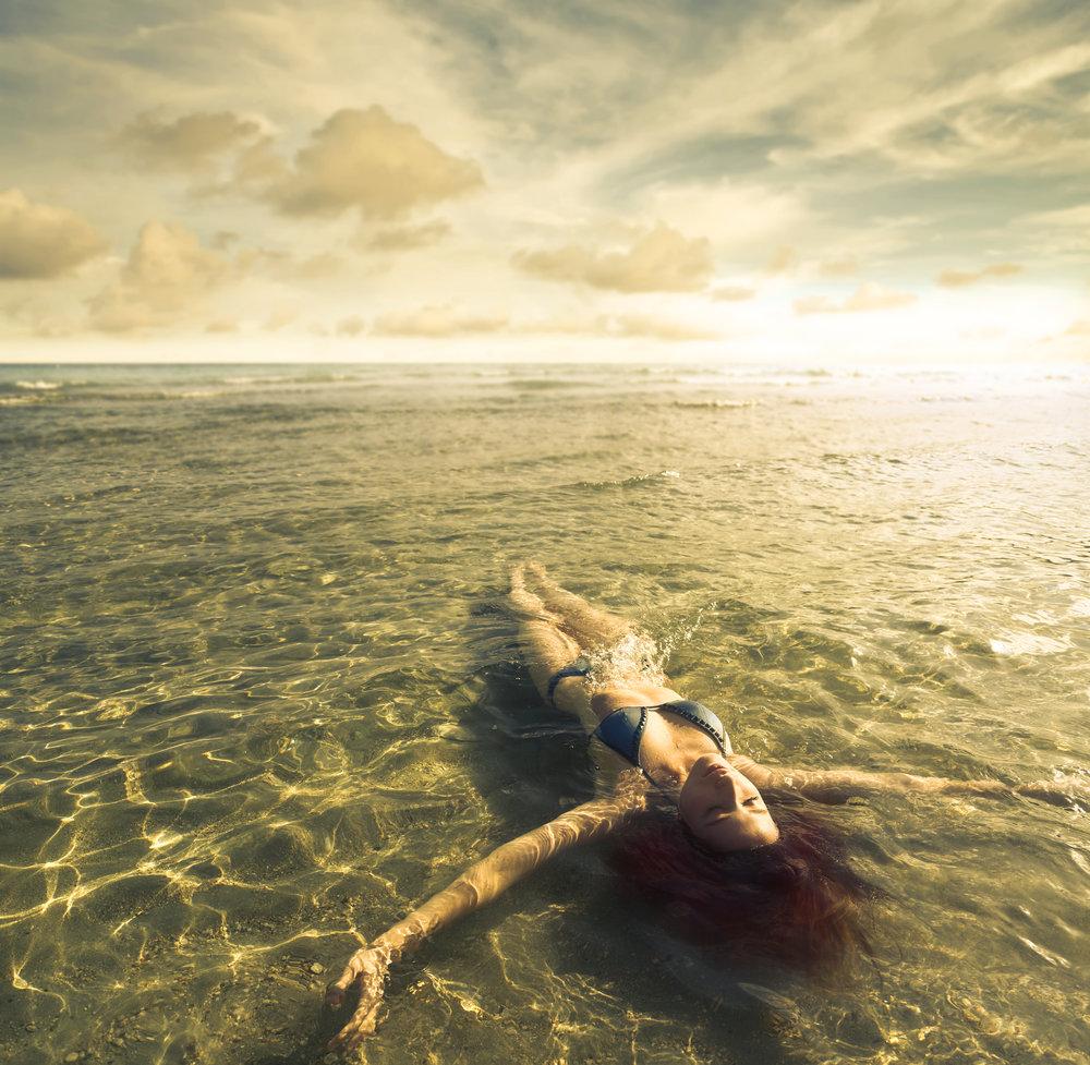 photodune-10145552-relaxing-in-the-water-xxl.jpg