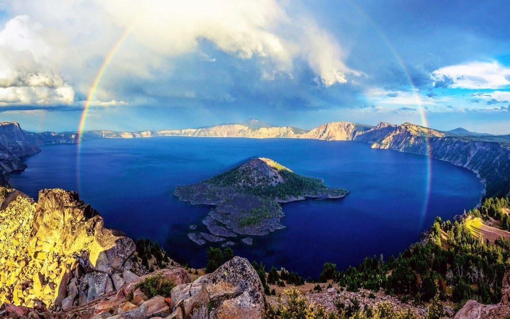 Crater-Lake-Oregon-1100x688.jpg