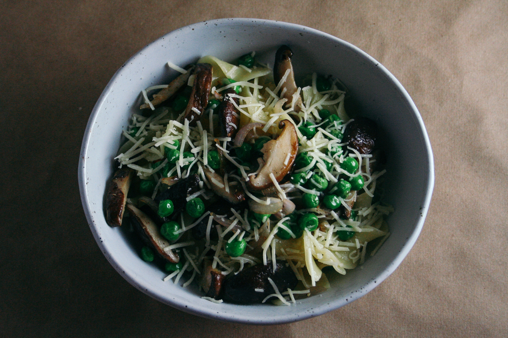 Easy Weeknight Pasta with Mushrooms and Peas