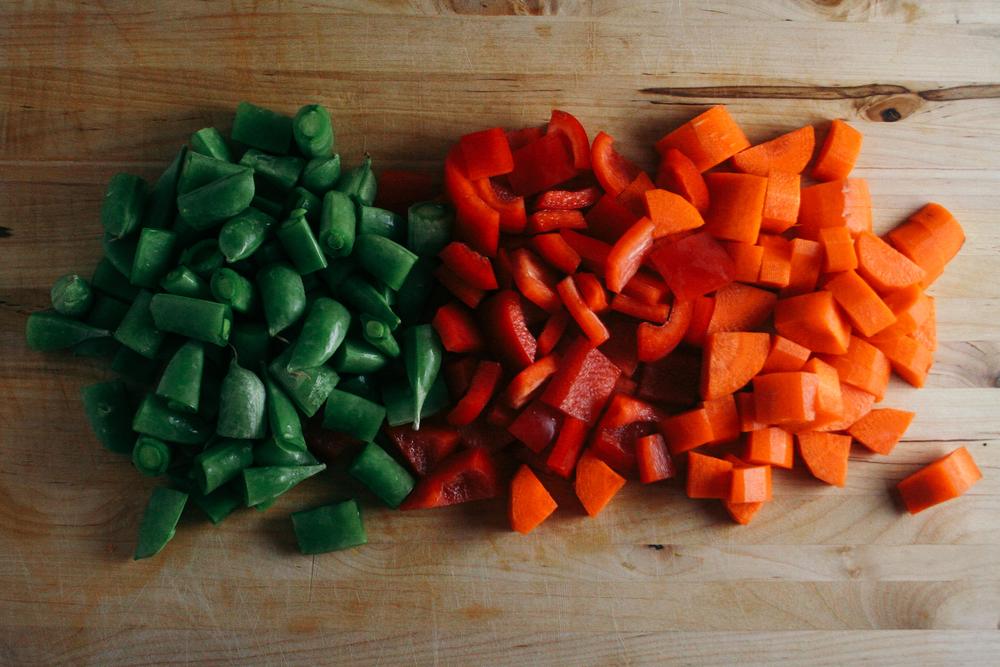 snap peas, bell pepper