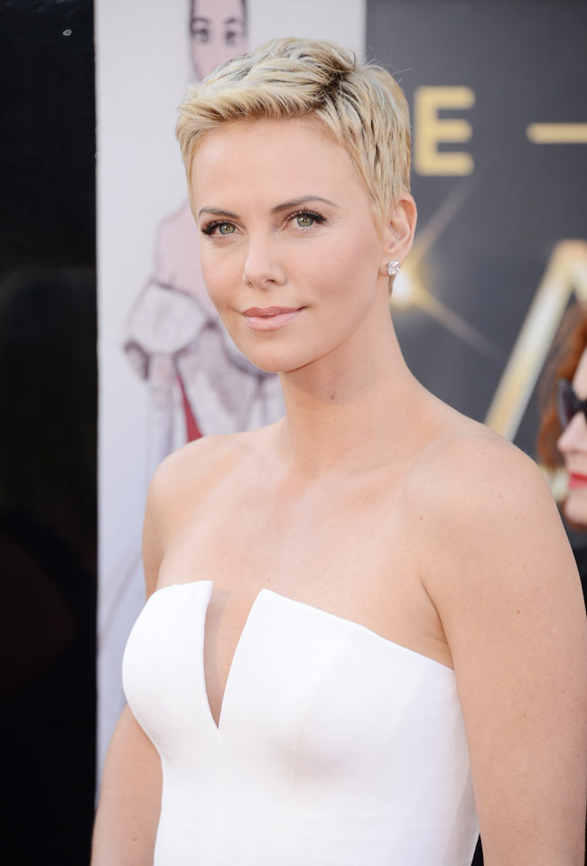 Charlize Theron in Dior Couture, Oscars 2013