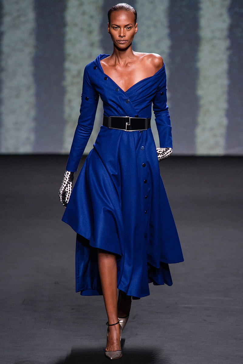 Friday fashion christian dior fall 2013 haute couture for Couture vs haute couture