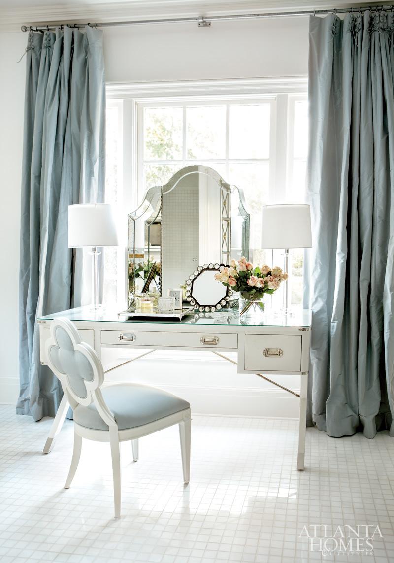 Suzanne Kasler's Master Bedroom #interiors