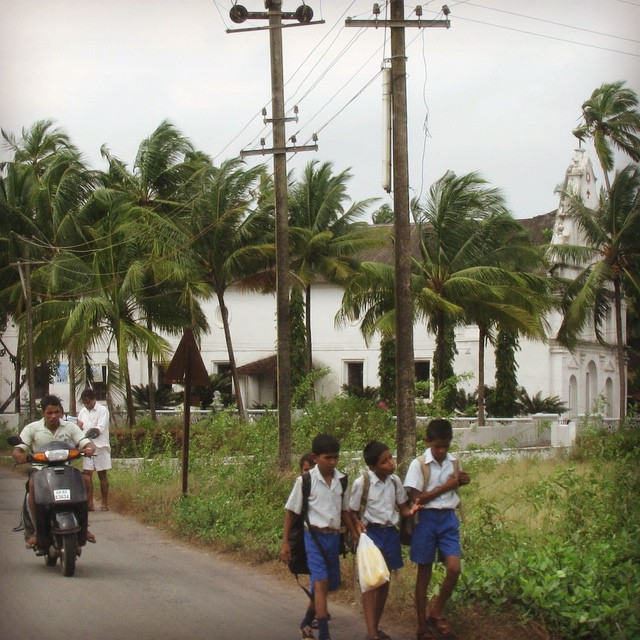 School children walking home. #youfollowthefilm #goaindia #schooluniforms #documentary #filmmaking #scooter #filmmaking #pickmygoapic #tropicalparadise  (at Goa, India)