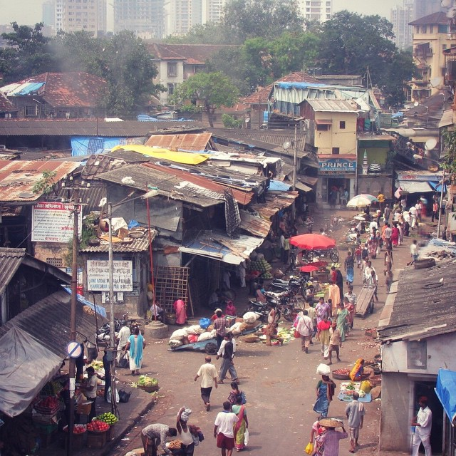 The streets of Mumbai! This is where we began to search for birth records. #youfollowthefilm #films #mumbai #india #indians #documentary #indianstreet #smog (at Mumbai, India)