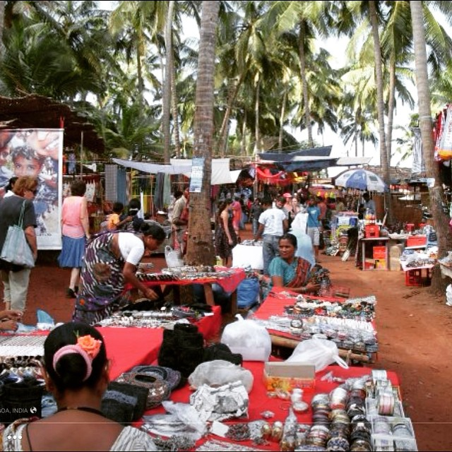 Shop till you drop! #youfollowthefilm #anjunabeach #goa #india #market #indianwomen #paradise #documentary #film #onlocation