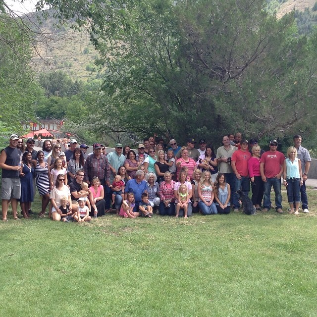 Here they are, my beautiful family! #evansfamilyreunion  (at Lava Rocks Hot Springs)