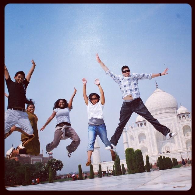 Pure Happiness! @reenaray @saywhatfoo @vlara83 @htotheizzy #youfollowthefilm #tbt #agraindia #tourists #tajmahal #myindia09