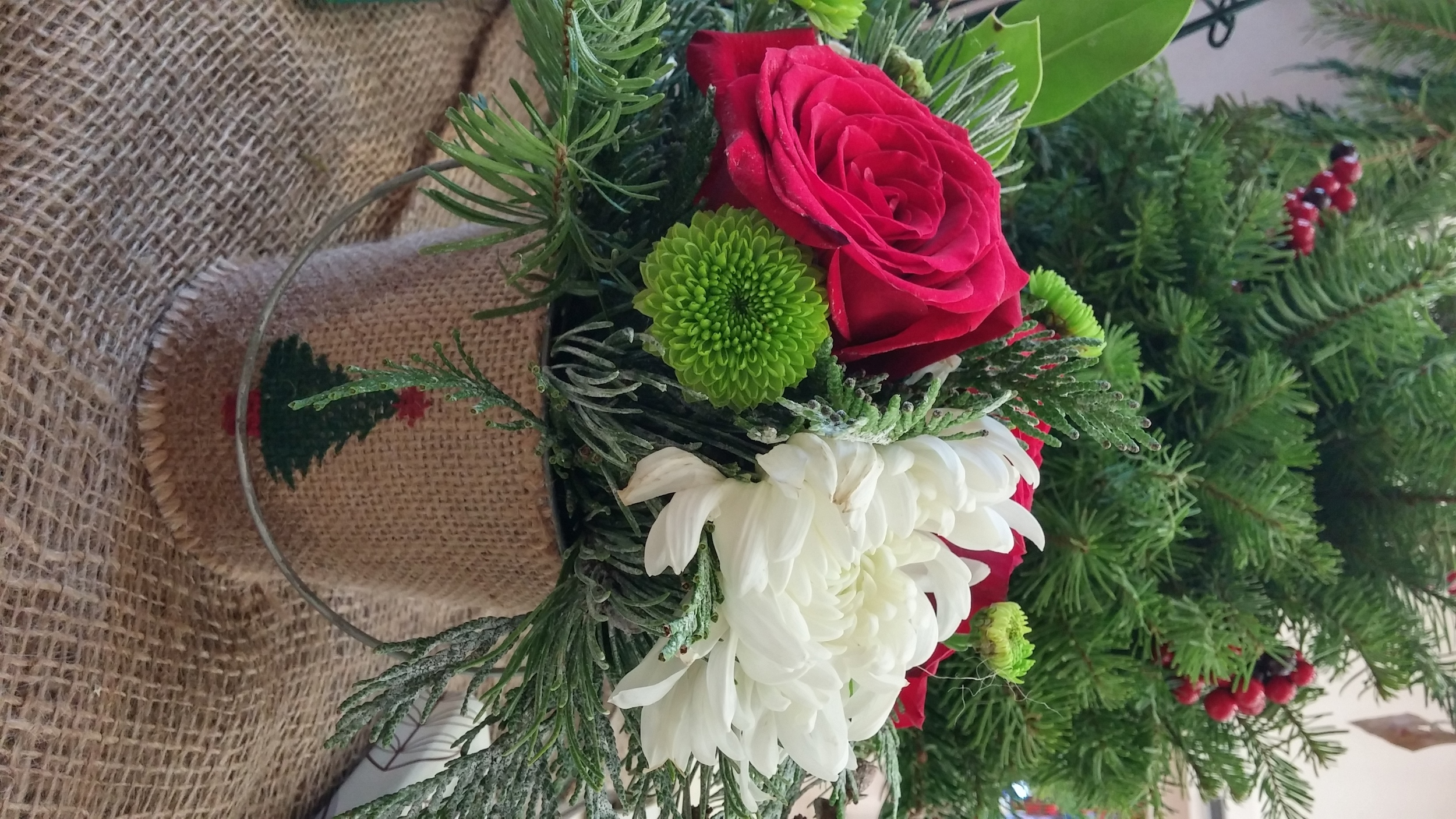 small centerpiece holiday